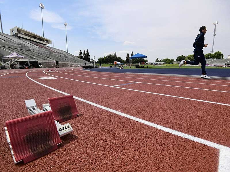 USU runner on track